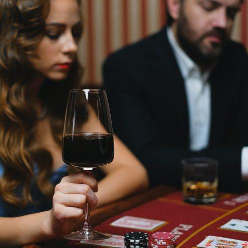 žena v kasíne